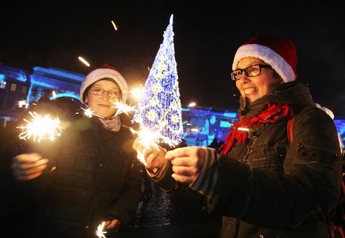 Празднование Нового года обошлось российской семье в среднем 14 тысяч рублей