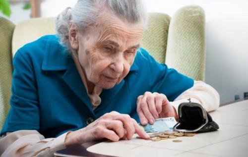 Сбербанк посчитал, сколько в России получают работающие пенсионеры